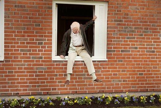 Der Hundertjährige, der aus dem Fenster stieg und verschwand Szene 2
