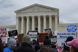 Selbstbestimmung Politik Abtreibung in den USA Reversing Roe Netflix