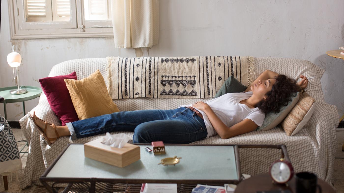 Interrassischer Amateursex Auf Der Couch